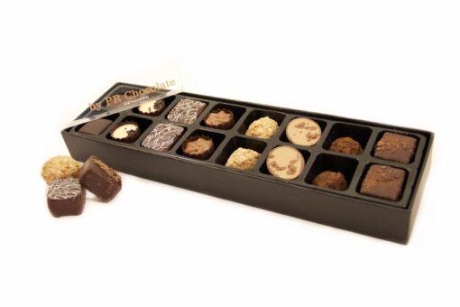 fyldte chokolader i æske